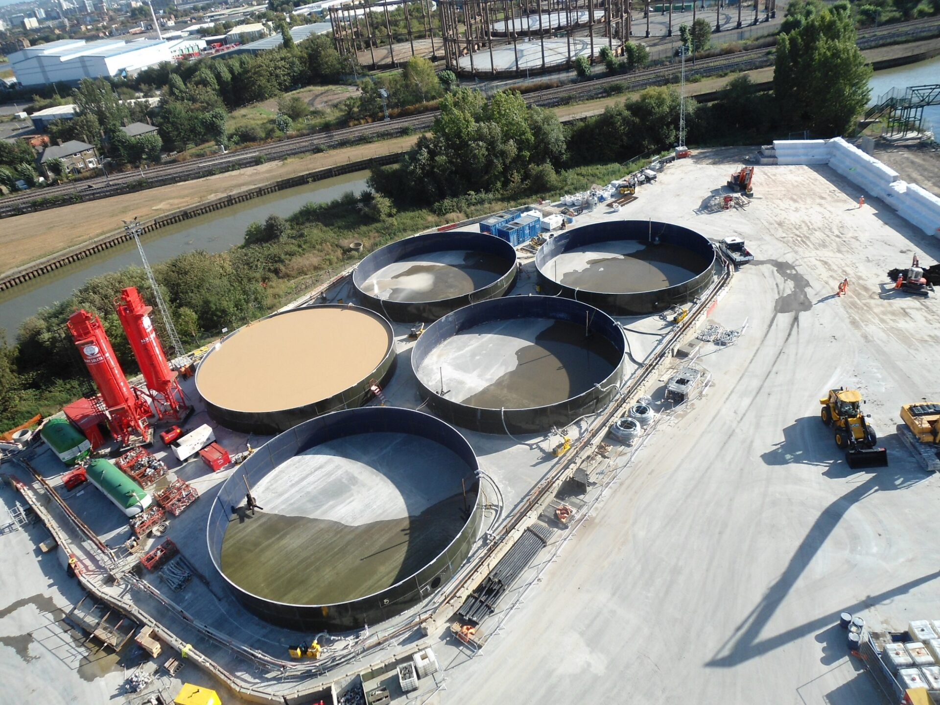 Retaining Wall Solution - Diaphragm Retaining Wall - Plant Set Up (5)