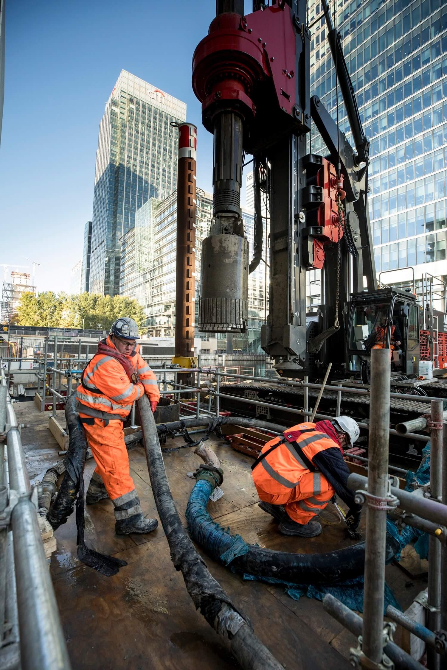 Foundations Solution - Bridge On Water Street Canary Wharf - Marine LDA Piling minipiling (6)