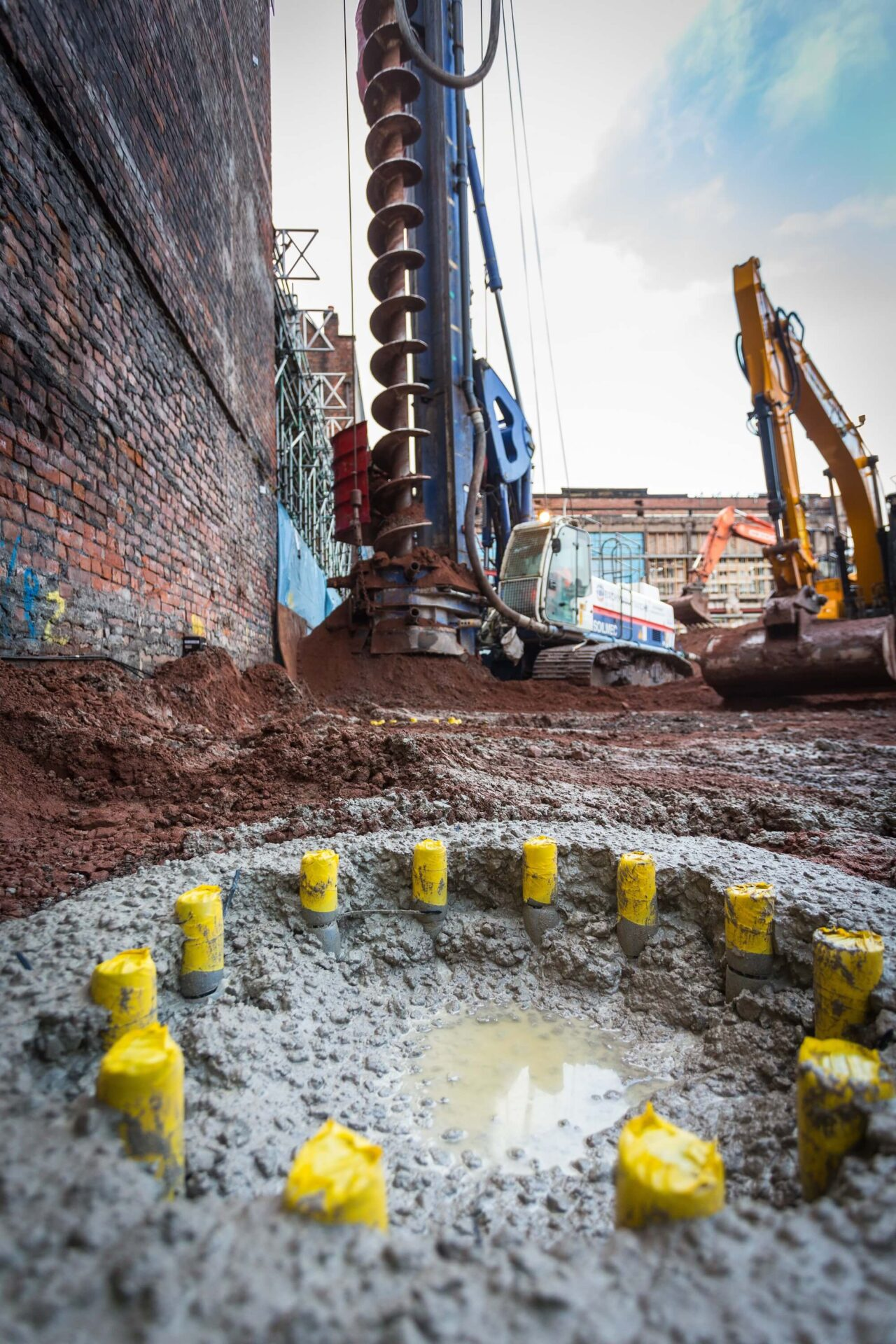 Retaining Wall Solution - Manchester Met University Arts & Humanities Project - Contiguous Wall (1)