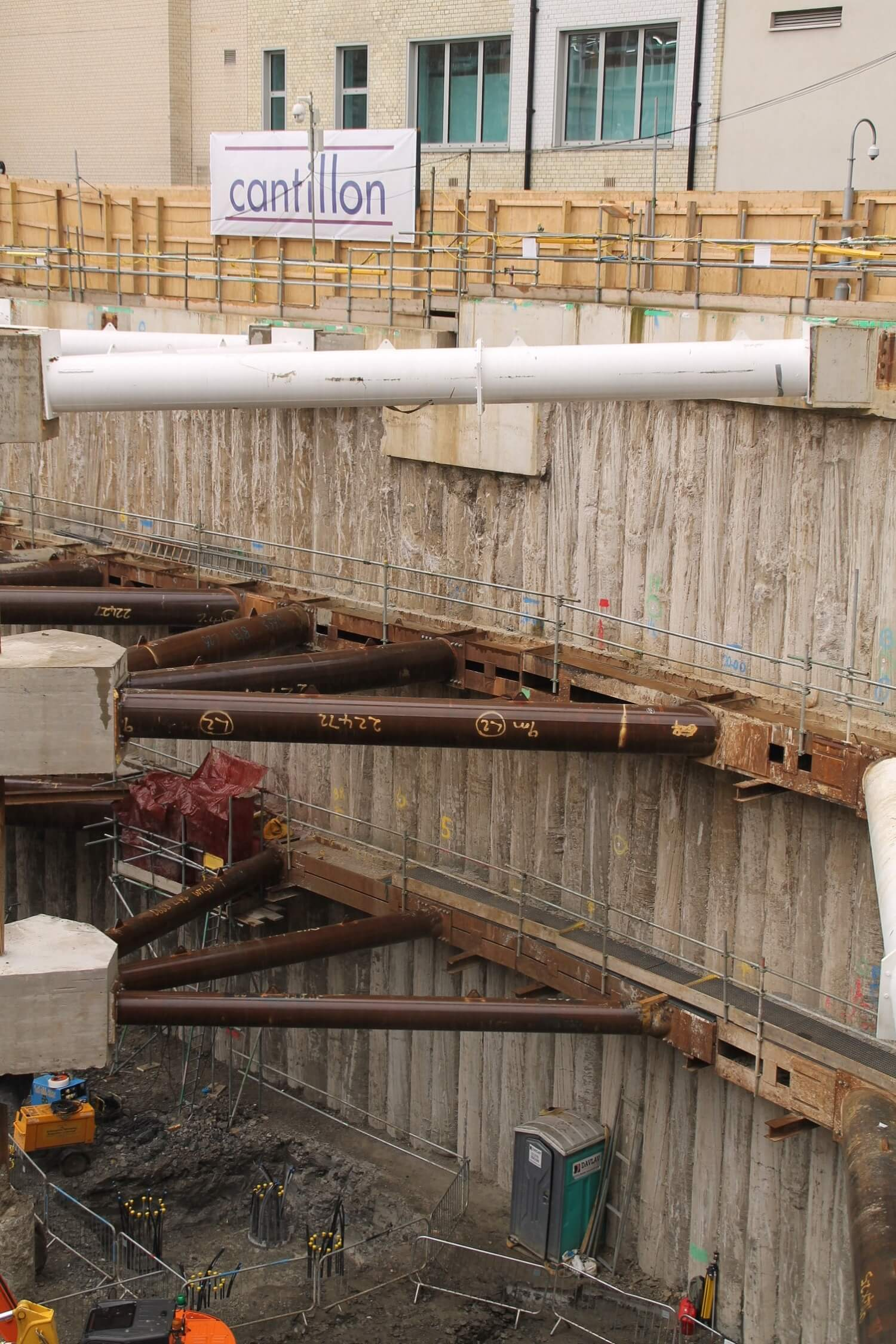 Retaining Wall Solution - Ilona Rose House, Tottenham Court Road - LDA piling Secant Wall Basement (4)