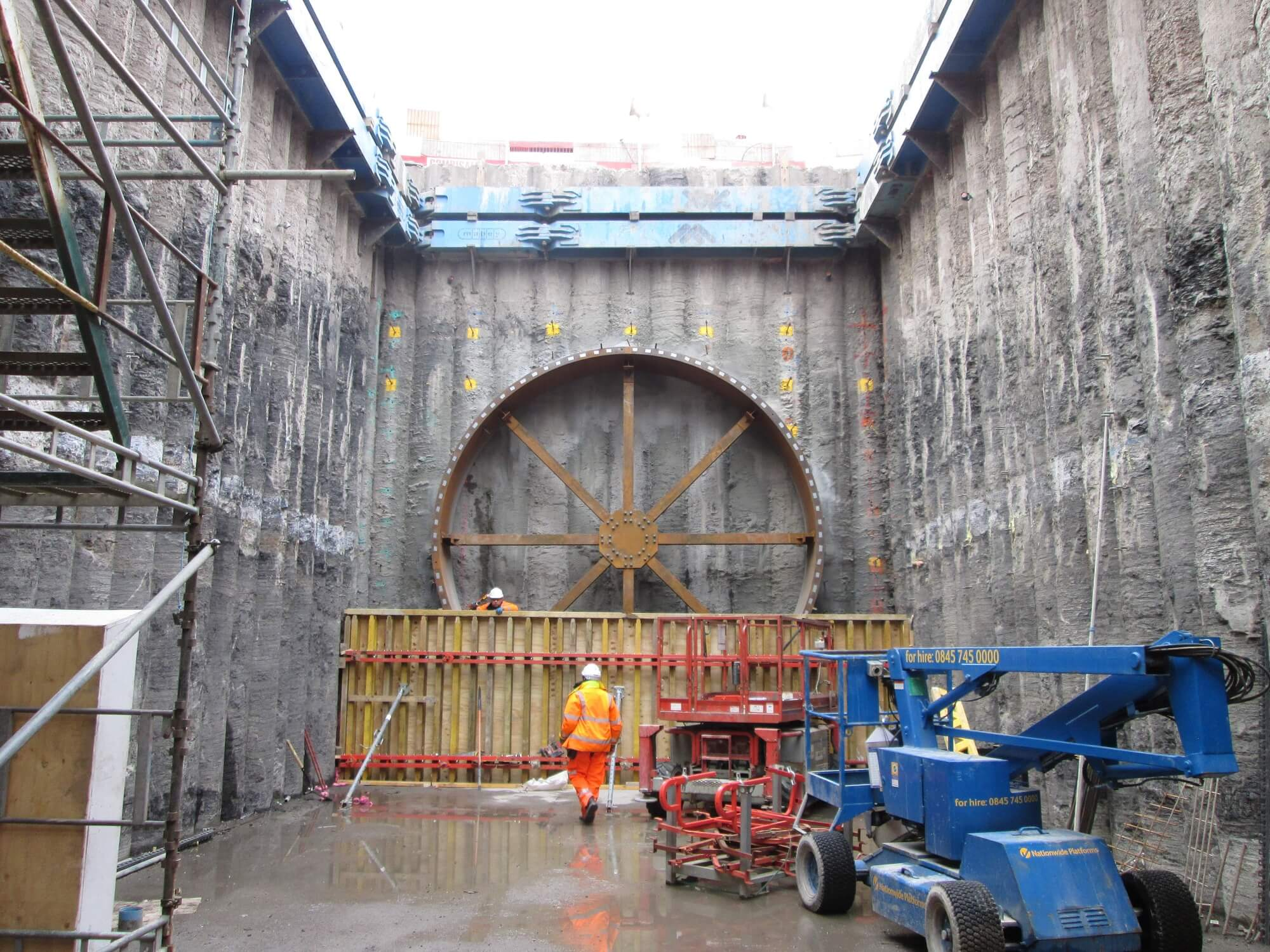 Retaining Wall Solution - Shieldhall Tunnel Glasgow Project - Secant and Contiguous Wall site photo (1)