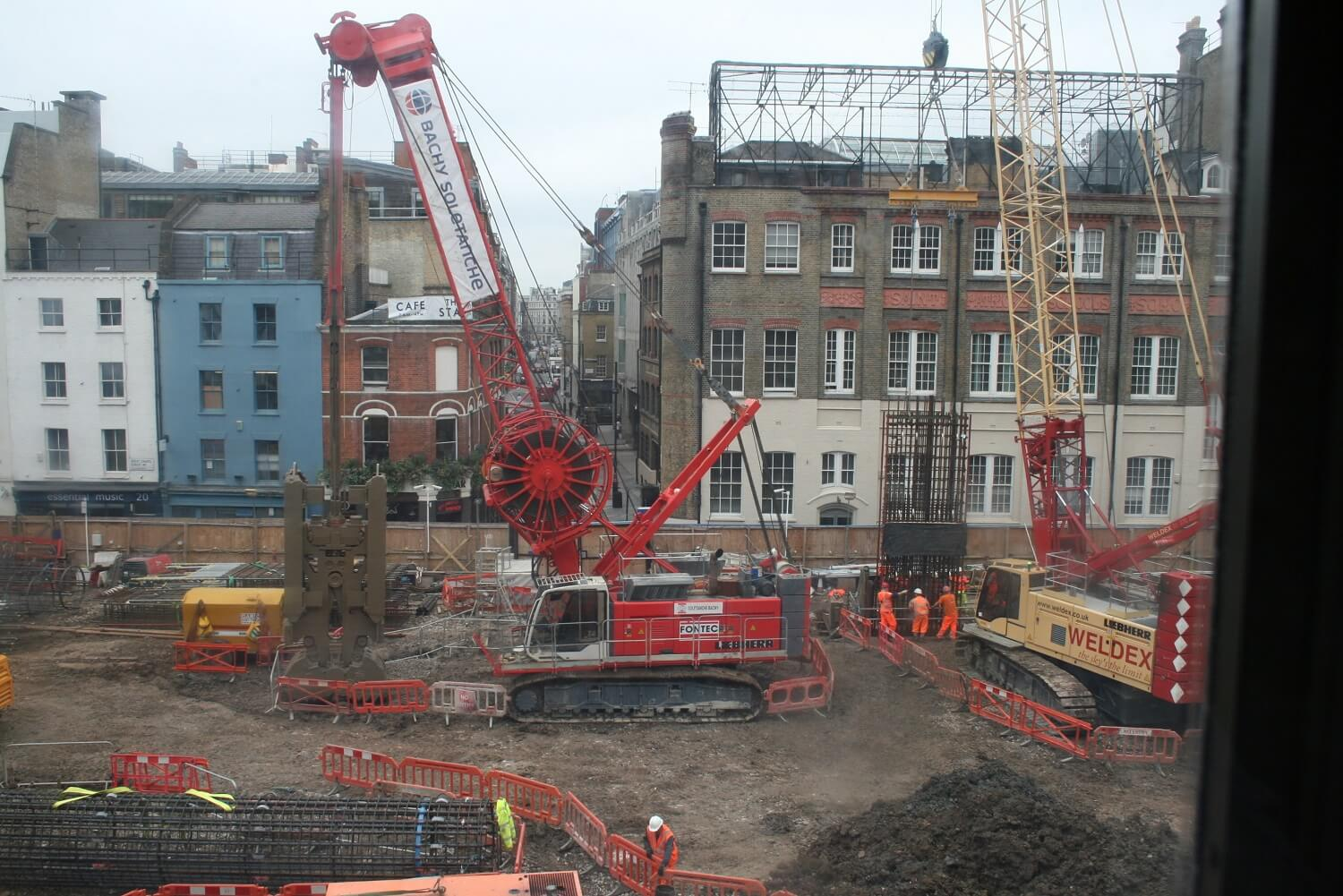 Retaining Wall Solution - Tottenham Court Road Station Project - Diaphragm Wall (7)